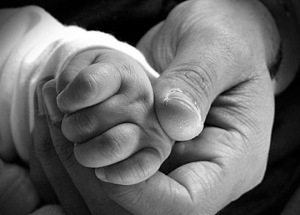 padre-e-hijo-manos